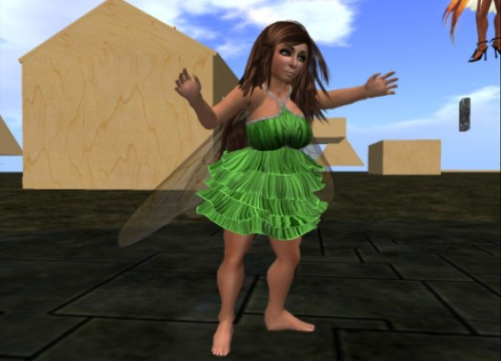 "With the mesh deformer code, mesh clothing is now truly ""one size fits all."" (Image courtesy InWorldz.)"