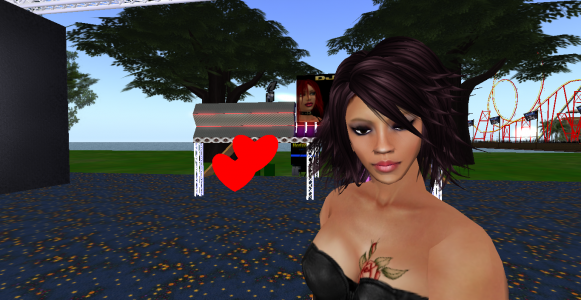 DJ Sandie at the Tangle Grid Fashion Expo. (Image courtesy Tangle Grid.)