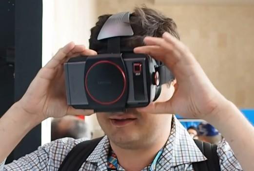 Mike Prospero of Tom's Guide tries on Lenovo VR Goggles in Beijing. (Image courtesy Tom's Hardware.)