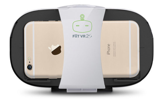 FiiT VR 2S with an iPhone. (Image courtesy FiiT VR.)