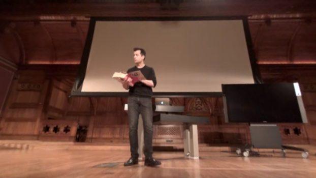 Harvard professor David Malan teaching the opening lecture of this fall's CS50 class. (Image courtesy Harvard University.)